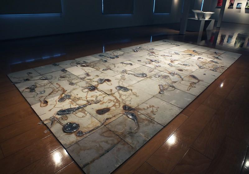 なみのこり(床)|Nami no Kori (Vestiges - A Part of the Work on the Floor)